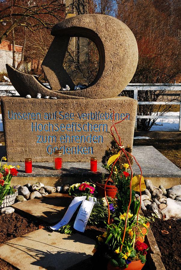 Gedenkstein für die auf See gebliebenen Fischer 18. März e.V.